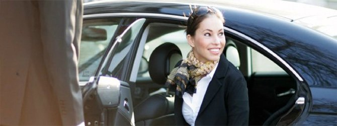 Start your trip to Santorini with a a smooth and hassle-free private transfer